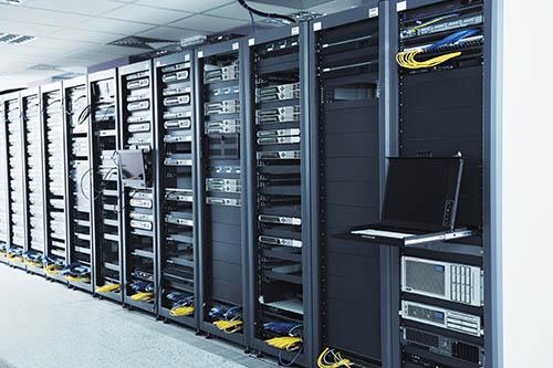 تجهیزات اکتیو شبکه: تجهیزات اتاق سرور شبکه کامپیوتری